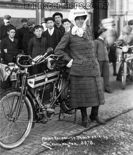 FemaleMotorcyclist