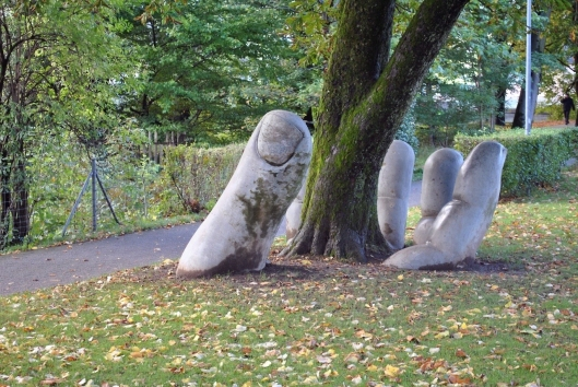 the-caring-hand-glarus-switzerland