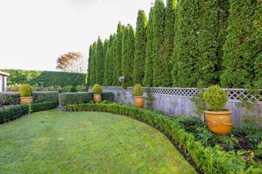 Waiky formal garden