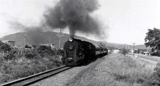 K912 on Sunday passenger train from Wellingtonto Palmy September 1965