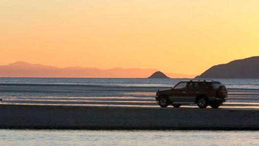 Waiky Beach SUV