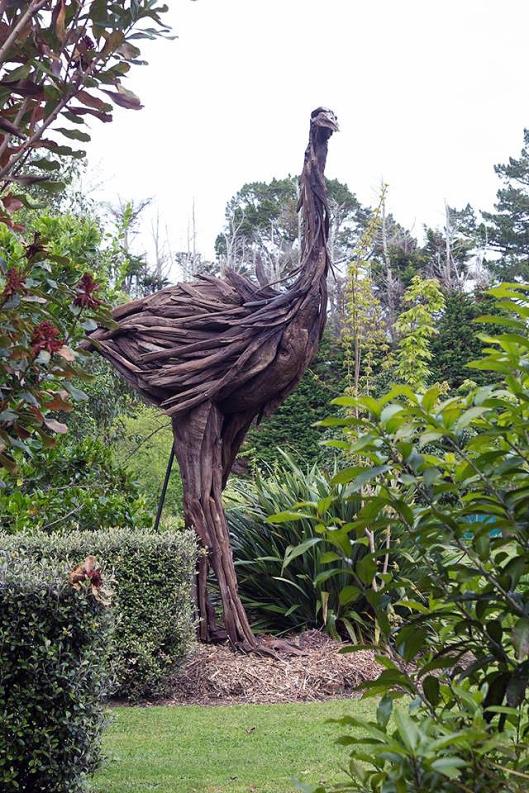 Moa au jardin Waiongana