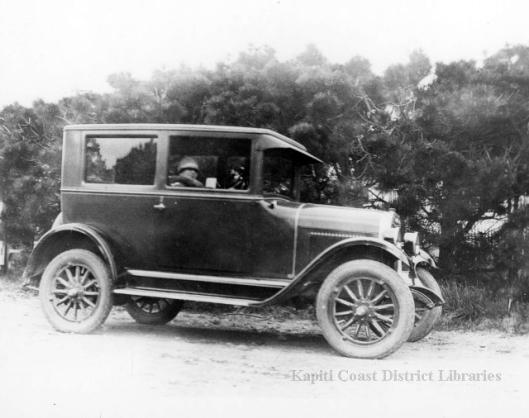 Waikanae car c1930