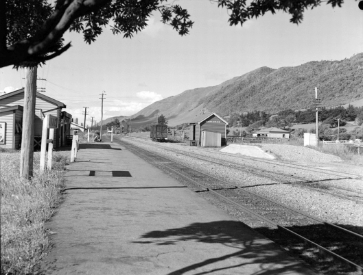Waikanae Railway Station September 1949 JF Le Cren