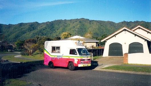 Waikanae icecream truck Kanawa Street