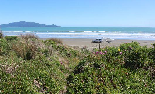 Peka Peka beach and dunes